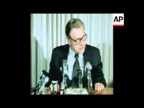 SYND 18 10 74 NELSON ROCKEFELLER HOLDS PRESS CONFERENCE IN NEW YORK