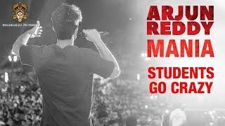 Arjun Reddy Movie Mania | Students Go Crazy - Hungama at Colleges in Hyderabad | Vijay Devarakonda