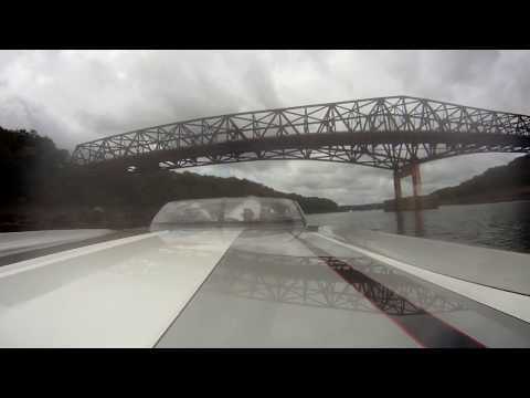 2012 lake cumberland poker run(pace boat blue flag)