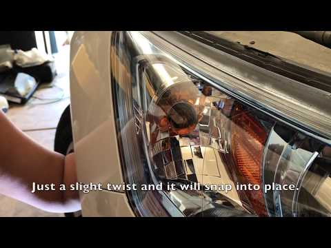 How to Replace the Honda Accord Front Turn Signal Bulb