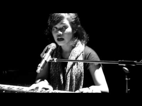 Yura - Jester Suit @ Konser Cinta Beta Singapore