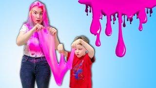 Дети сделали большой розовый слайм // Твиксики