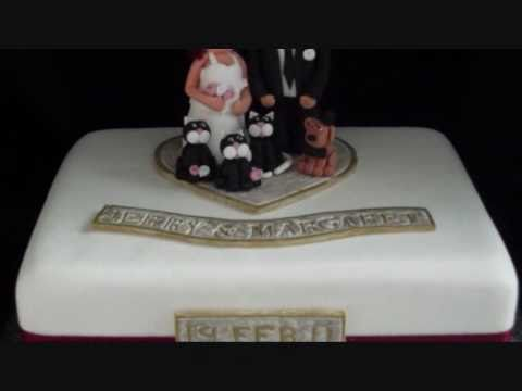 bride,-groom-and-pets-wedding-cake...and-topper