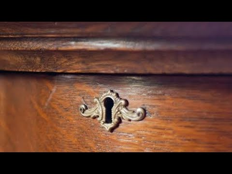When This Guy Bought An Old Dresser For $100, What He Found Inside It Made His Jaw Hit The Floor