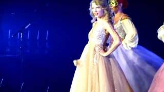 Taylor Swift- Love Story Intro Staples Center Speak Now Tour 8/23/11