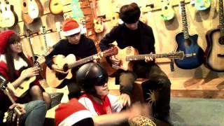 XMas 2014 - Mashup Christmas - CLB GUITAR ACOUSTIC Đại Học Duy Tân