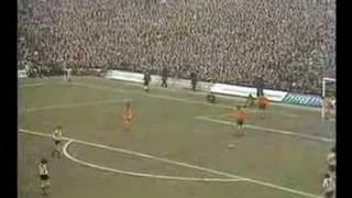 SUNDERLAND 2 LUTON 0 FA CUP 6TH RND 1973