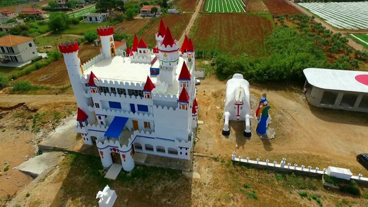 maxresdefault Το ξεχασμένο «Κάστρο των Παραμυθιών» στα Φιλιατρά που θυμίζει... Disneyland [εικόνες]