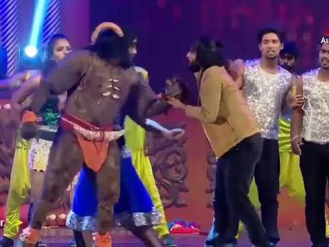 Ennodu nee irunthal /stage performance /chiyaan vikram