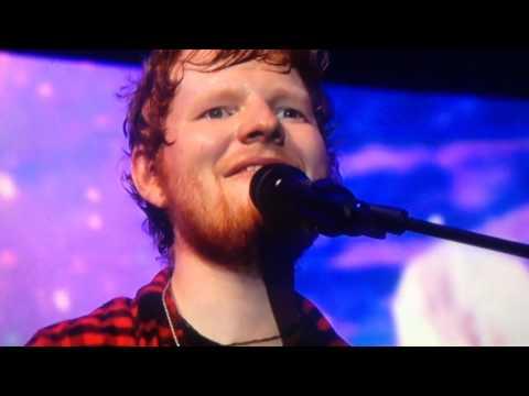 Ed Sheeran (THINKING OUT LOUD) amazing live performance at Glastonbury 2017
