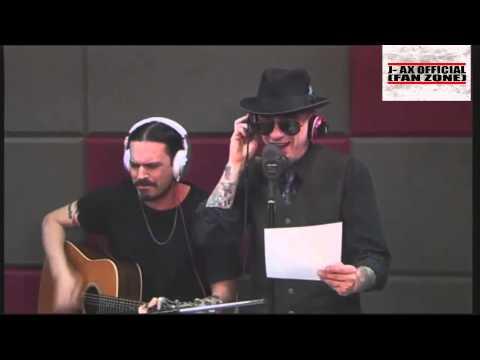 J-AX Live 'L'uomo col cappello' - Versione acustica