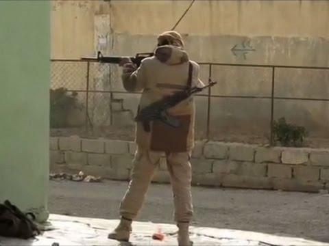 Raw: Iraqi Forces, IS Militants Fight