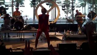 yelle safari club disco live at coachella 2011 hd
