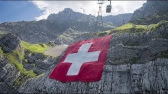 Riesen-Fahne zum Schweizer Nationalfeiertag