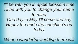 Watch Barry Manilow ill Be With You In Apple Blossom Time video