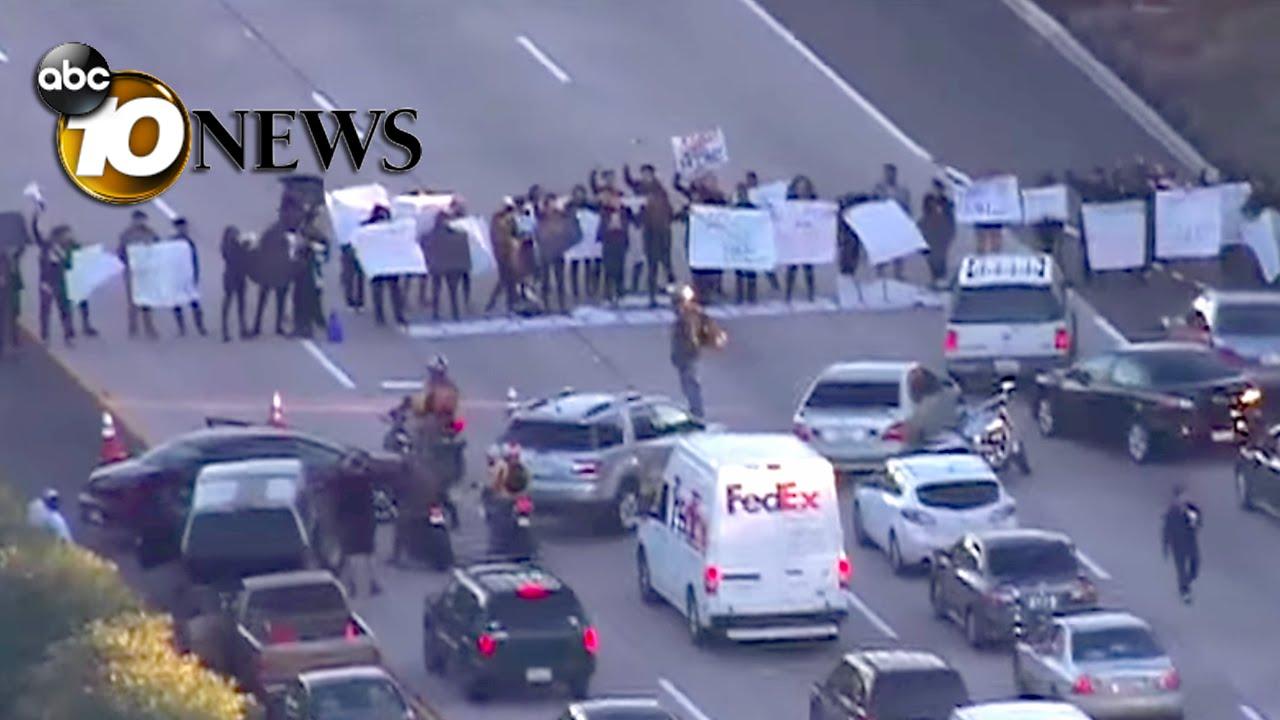 Ferguson Protesters Block I 5 In La Jolla Police Respond Youtube