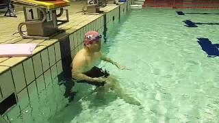 「混雑したプールで実施できる」(背もたれクロールキック) thumbnail