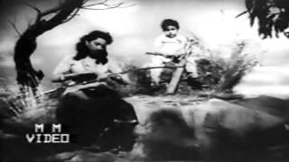 mere chand mere laal,jiyo hazaro saal..Suraiya_Lata_Shakeel B_Nuashad_Diwana1952..a tribute
