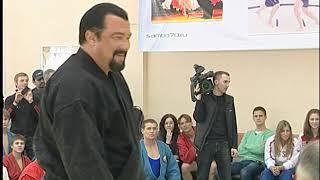 """Стивен Сигал посетил школу """"Самбо-70"""""""