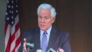 NOON: Former Akron Mayor Don Plusquellic caught urinating on tree on University of Akron campus
