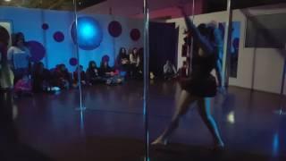 *Alumna principiante *Principiante escuela pole dance en celaya