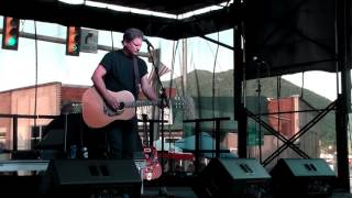 Watch Chris Knight Crooked Road video
