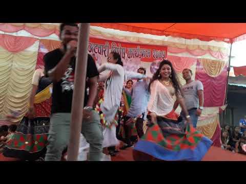 Kailali ko Sali lai ta laijau laijau lagne/New Tharu Song 2075/Roshan Ratgainya Stage Performence