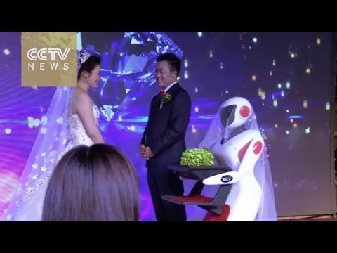 Extraordinary robot wedding