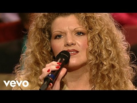 Jessica King, Sheri Easter, Charlotte Ritchie - Come Spring [Live]