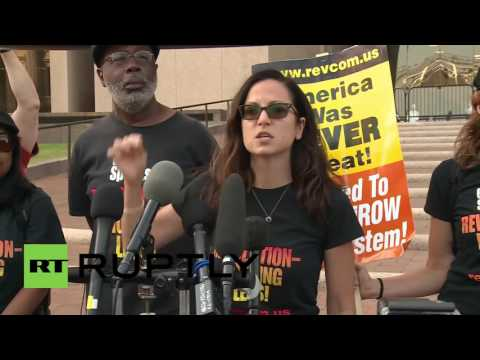 USA: Protesters condemn detention of 22 activists that burned the US flag