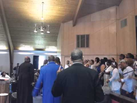 Evangelist Linda Ballinger with Family & Friends Choir L. Durham Funeral @CitadelCOGIC