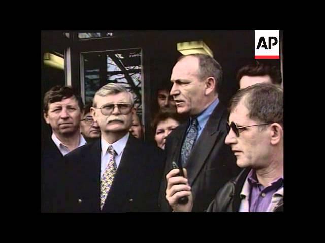 Bosnia - War criminals surrender to SFOR
