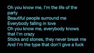 Rihanna - Half of me (LYRICS)