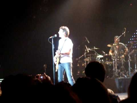 Billy Squier live Lonely is the Night  Atlantic City July 11, 2009