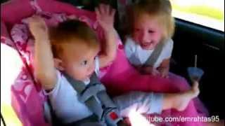 Gangam stayla ile coşan bebekler