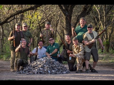 The Best Dove Hunting in Argentina - England Group (Philip Torrold)