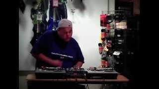 Poetik C Guitar Center DJ Battle 2003
