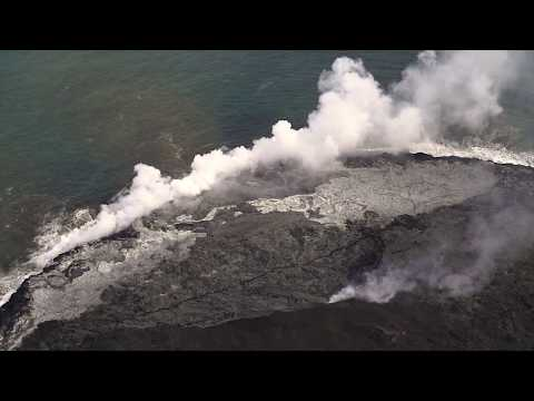 Flying over active lava flows // Hawaii Volcanoes National Park // American Field Trip