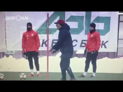Курбан Бердыев ругает нападающих «Рубина» на тренировке
