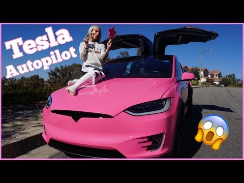 DOING MY MAKEUP ON TESLA AUTOPILOT!