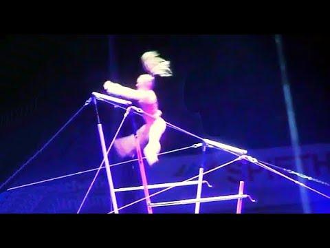 Feuerwerk der Turnkunst 2018 Berlin  - Turnen Reck Barren Sport Show