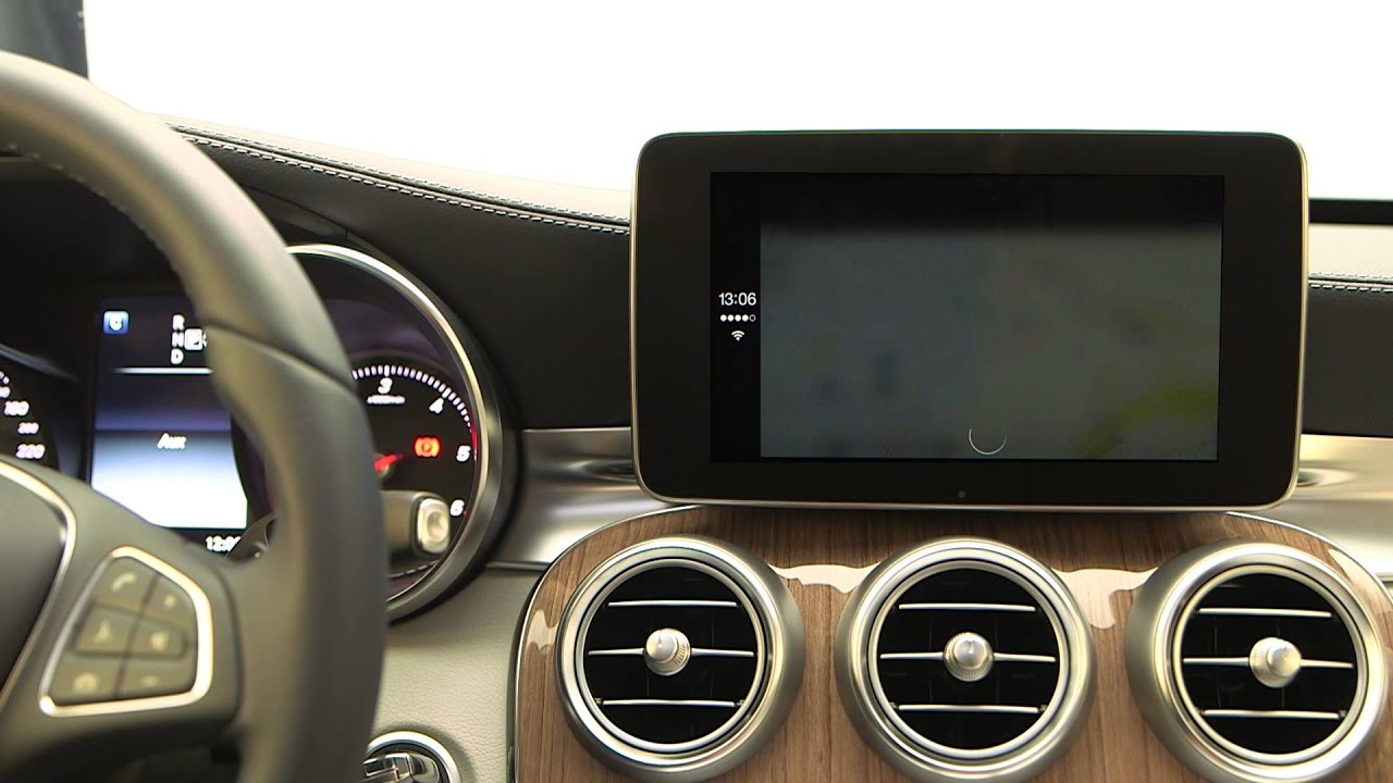 how to use carplay in mercedes