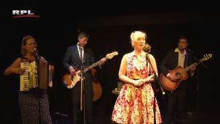 Surabaja - Charlotte Welling & Trio Dobbs