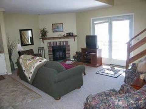 Annandale MN Cabin Rental Clearwater Lake  Lakefront Cabin