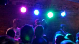 Simba x Benio Lubań klub Wulkan(Krótki film z koncertu który mieliśmy okazję zagrać w Lubaniu ! Zajebista energia ! Śle pozdrówki Simba x Benio (Universal Smokers Group), 2015-05-31T16:55:03.000Z)