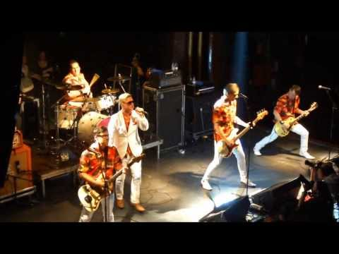 Me First and the Gimme Gimmes - I Will Survive (Barcelona, Apolo, 21/02/2014)