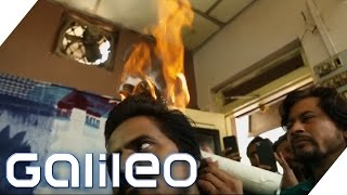 Haareschneiden mit Feuer - Geht das wirklich? | Galileo | ProSieben
