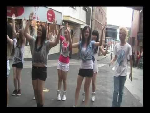 110124 Sydney K-Pop Flash Dance Mob Encore - YaYaY...