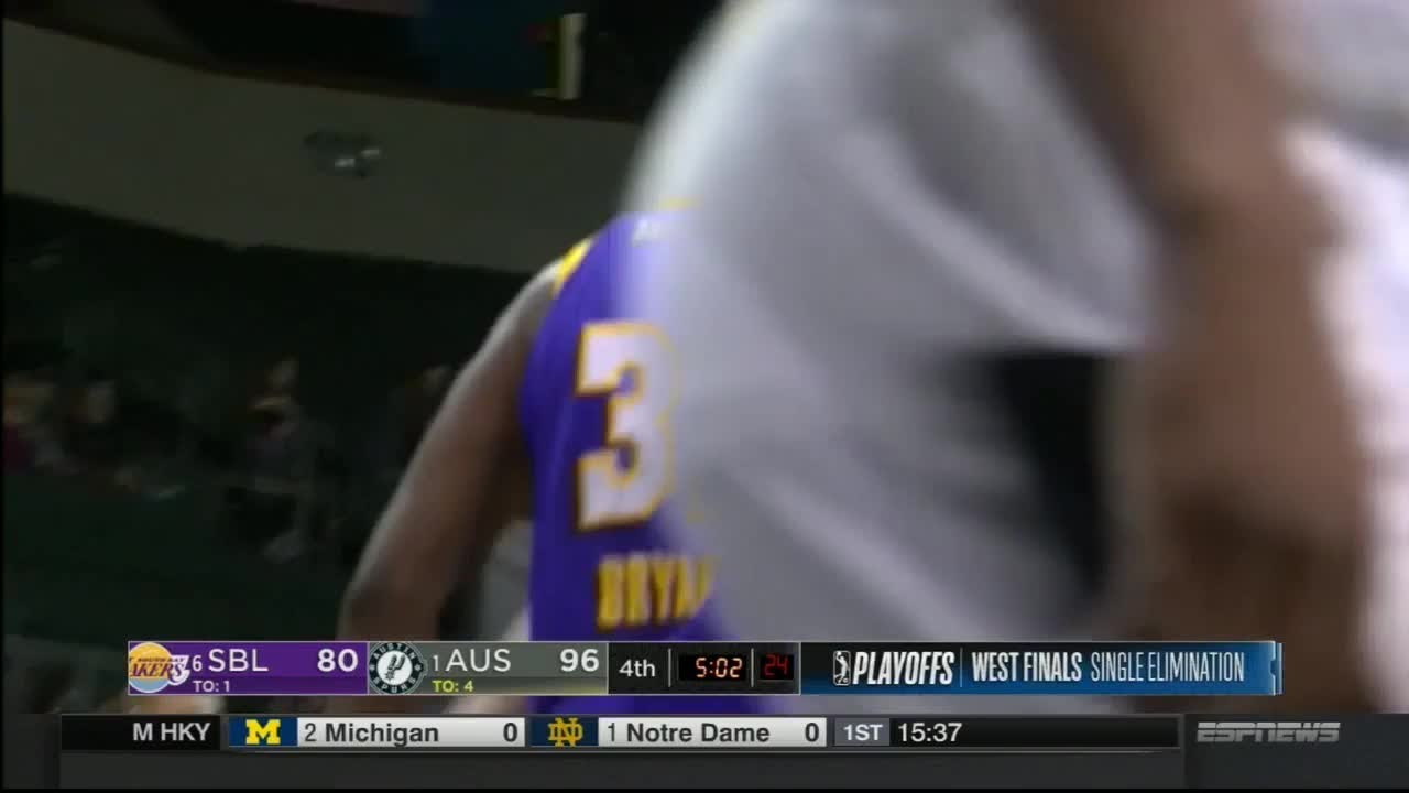 Alex Caruso Erupts for 32 Points, 10 Boards in Victory Over Clippers