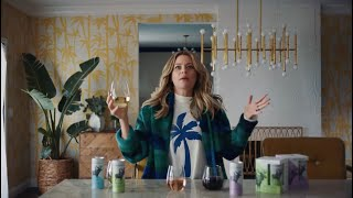 Archer Roose: Elizabeth Banks Tries Luxury Wine in a Can